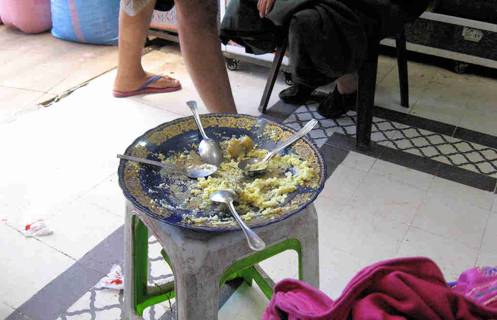 Augenblicke in Marrakesch: Mittagspause im Basar (Mellah)… – Foto 16