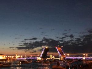 Russland/St. Petersburg: Um zwei Uhr morgens an der Newa - Foto: ©Cornelia Strössner