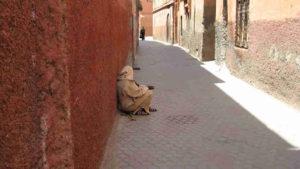 Marrakesch/Marokko: Betteln ist Alltag im Jüdisches Viertel (Mellah)